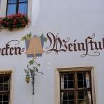 Fassadenschrift mit Grafiken aufgepeppt